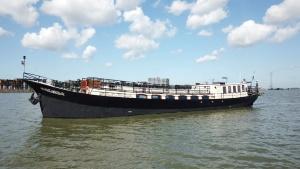 Boat Sailboa Amsterdam Tourist Ferry
