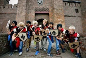 Boat to Muiderslot Kids Party