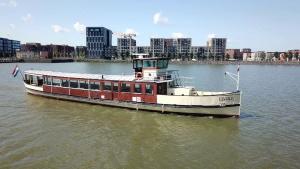 Elvira Saloonboat Amsterdam Tourist Ferry
